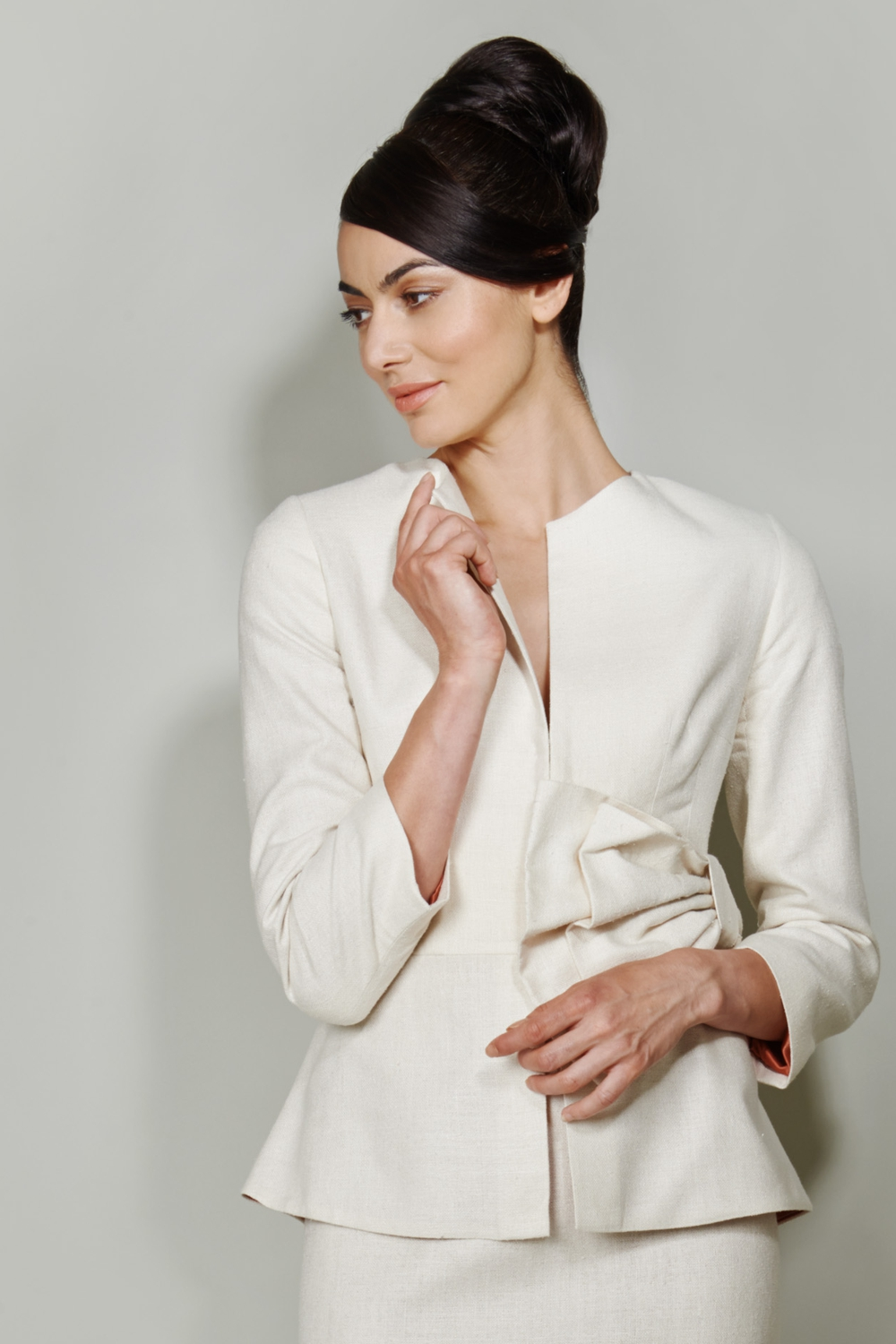 Ivory silk jacket with bow detail
